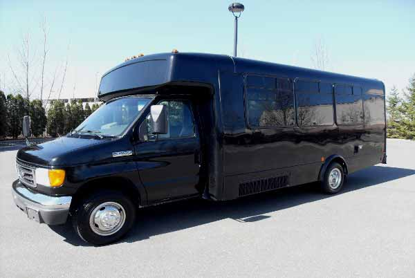 18 passenger party bus Lincoln