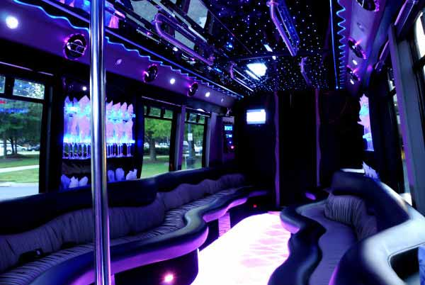22 people party bus Lincoln