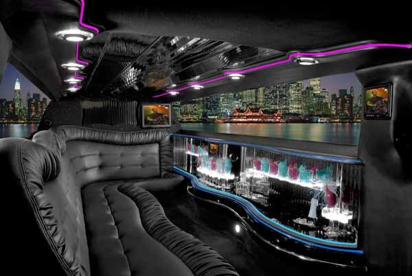 Chrysler 300 limo interior Bellevue