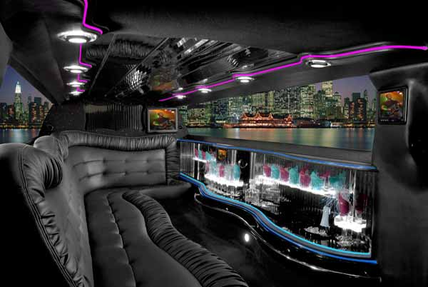 Chrysler 300 limo interior La Vista