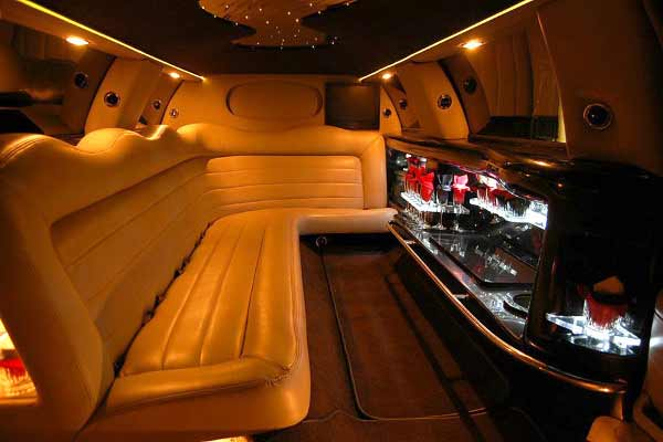 Lincoln limo party rental Bellevue