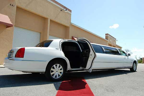 lincoln stretch limousine Blair