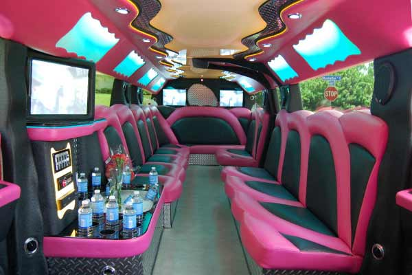 pink hummer limousine Lincoln